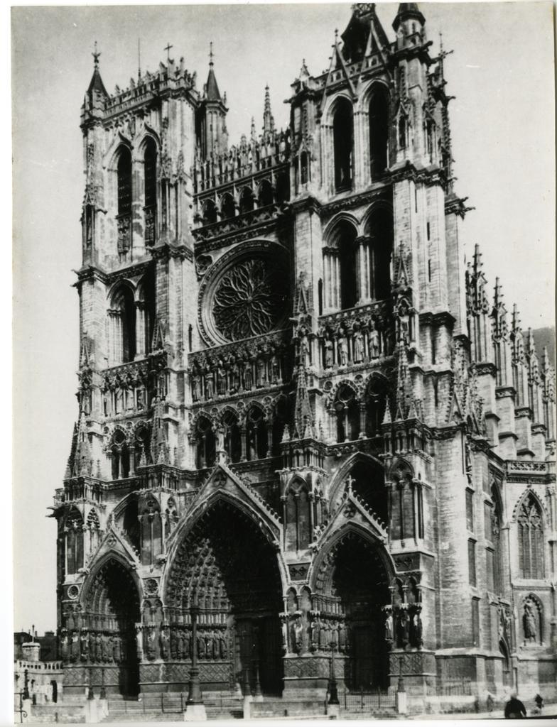 Anonimo , Amiens, Cattedrale - fronte occidentale 1225-1236 - torre d. 1366 - torre s. inizio XV